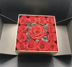 Box di rose rosse online
