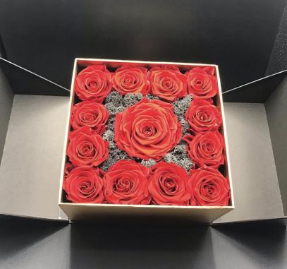 Box di rose rosse online